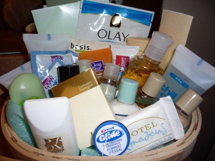 Guest-Bathroom-Basket
